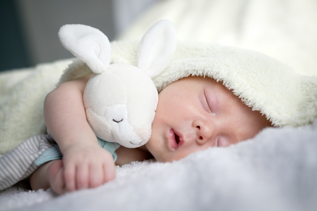 ¿Qué tela usar para los pijamas para el bebé?